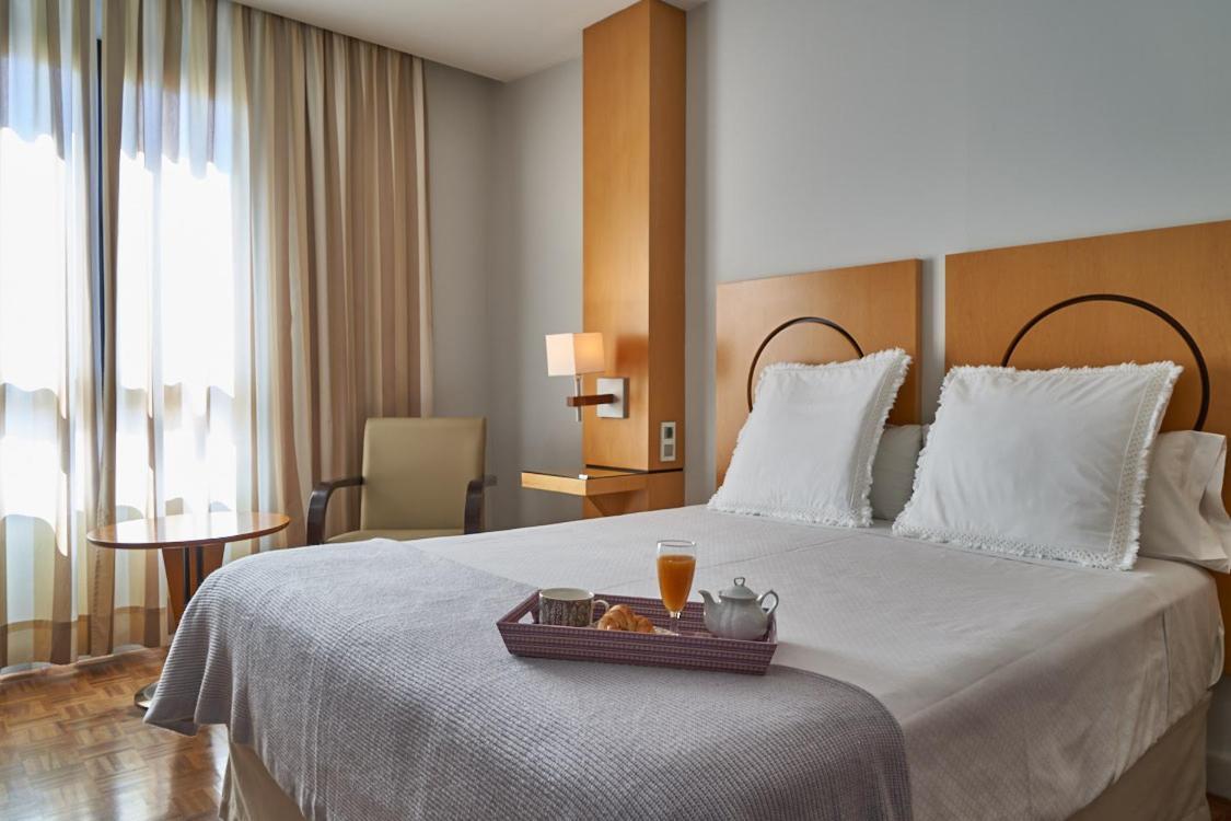 Отель  Hotel Don Curro
