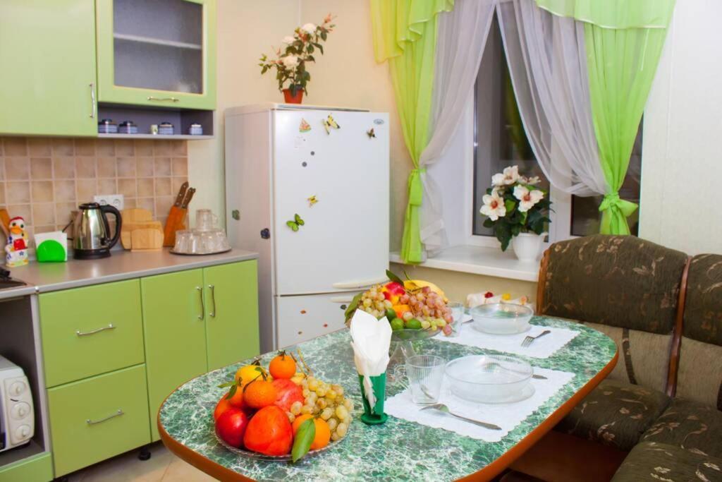 Апартаменты/квартира Просторная и красивая квартира в элитном доме с видом на реку Волга и закаты
