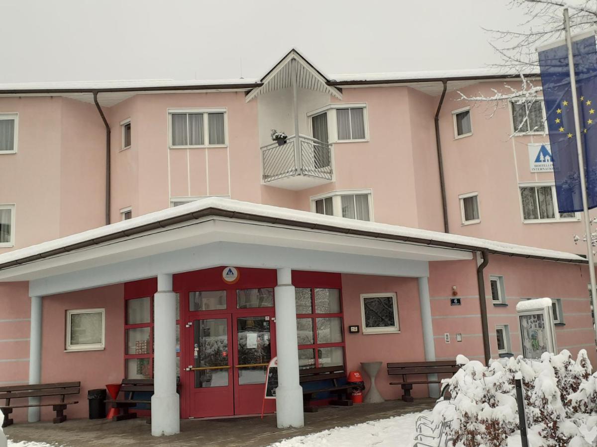 Nchste Finsternis in Klagenfurt am Wrthersee, Krnten