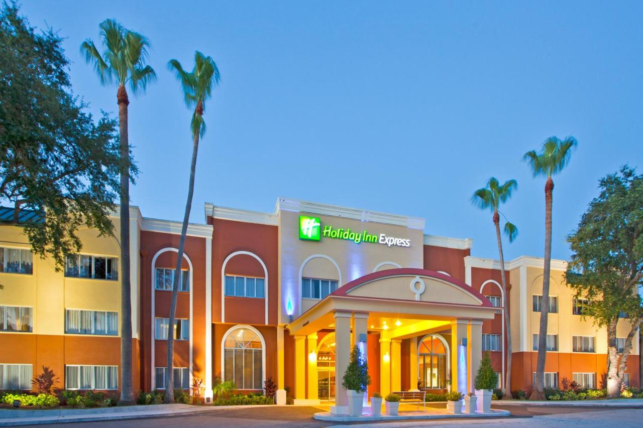 Отель  Holiday Inn Express Hotel Clearwater East - ICOT Center