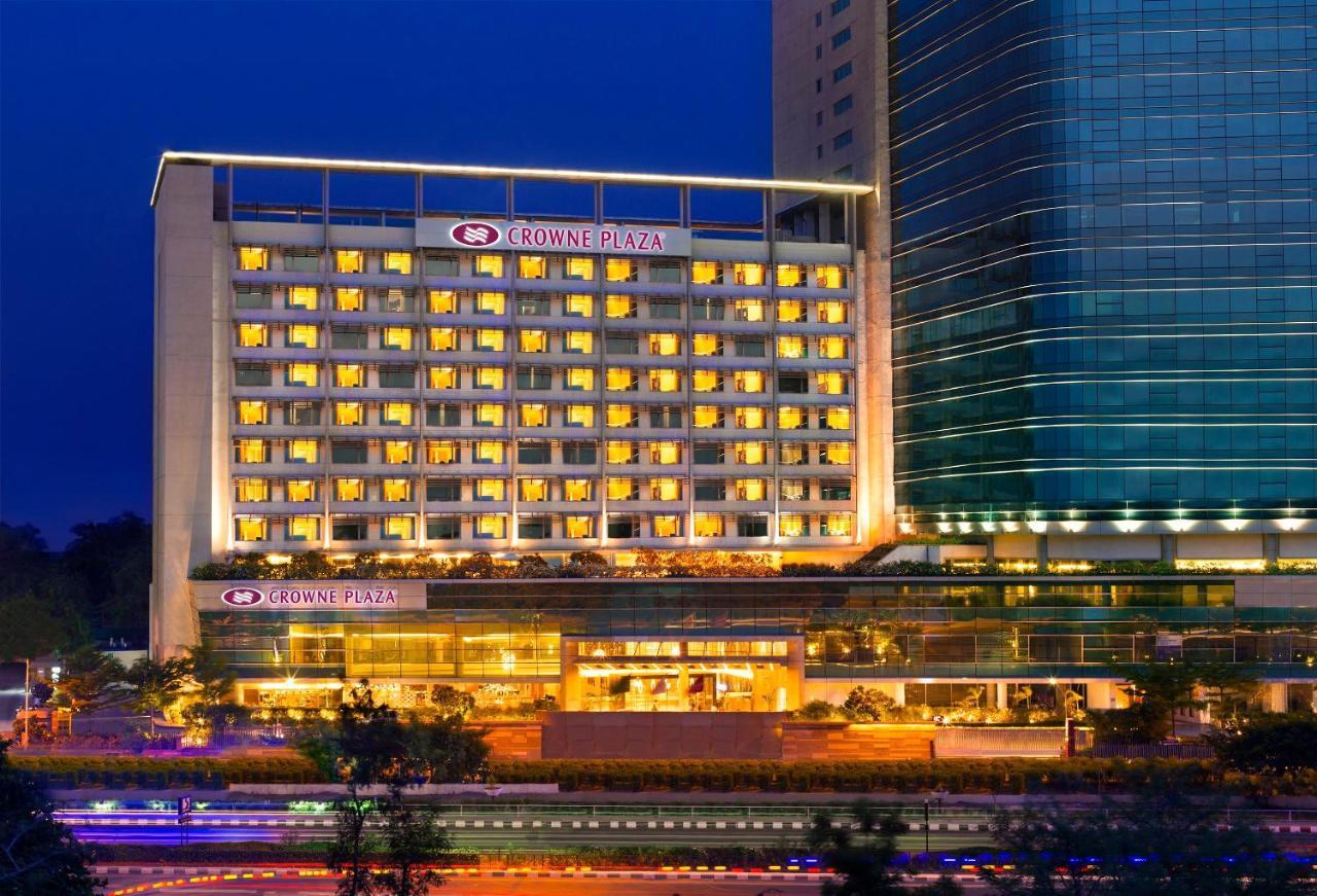 Отель  Отель  Crowne Plaza Ahmedabad City Centre