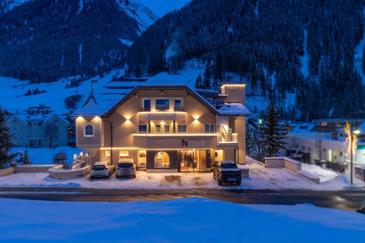 Отель  Hotel Neder