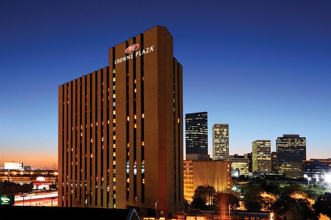 Отель  Crowne Plaza Hotel Houston River Oaks