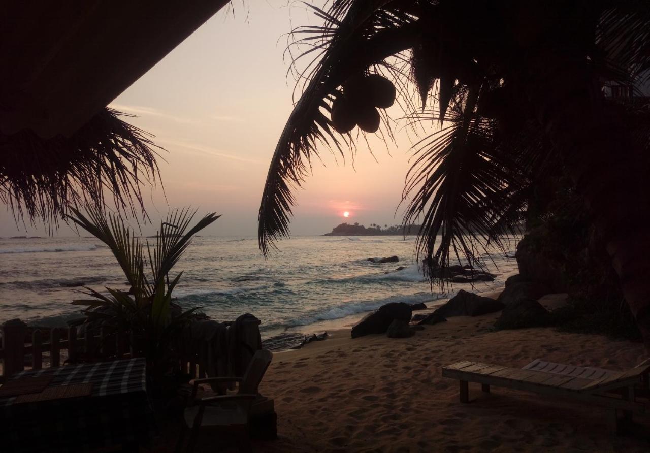 Отель типа «постель и завтрак»  Happy Beach Resort