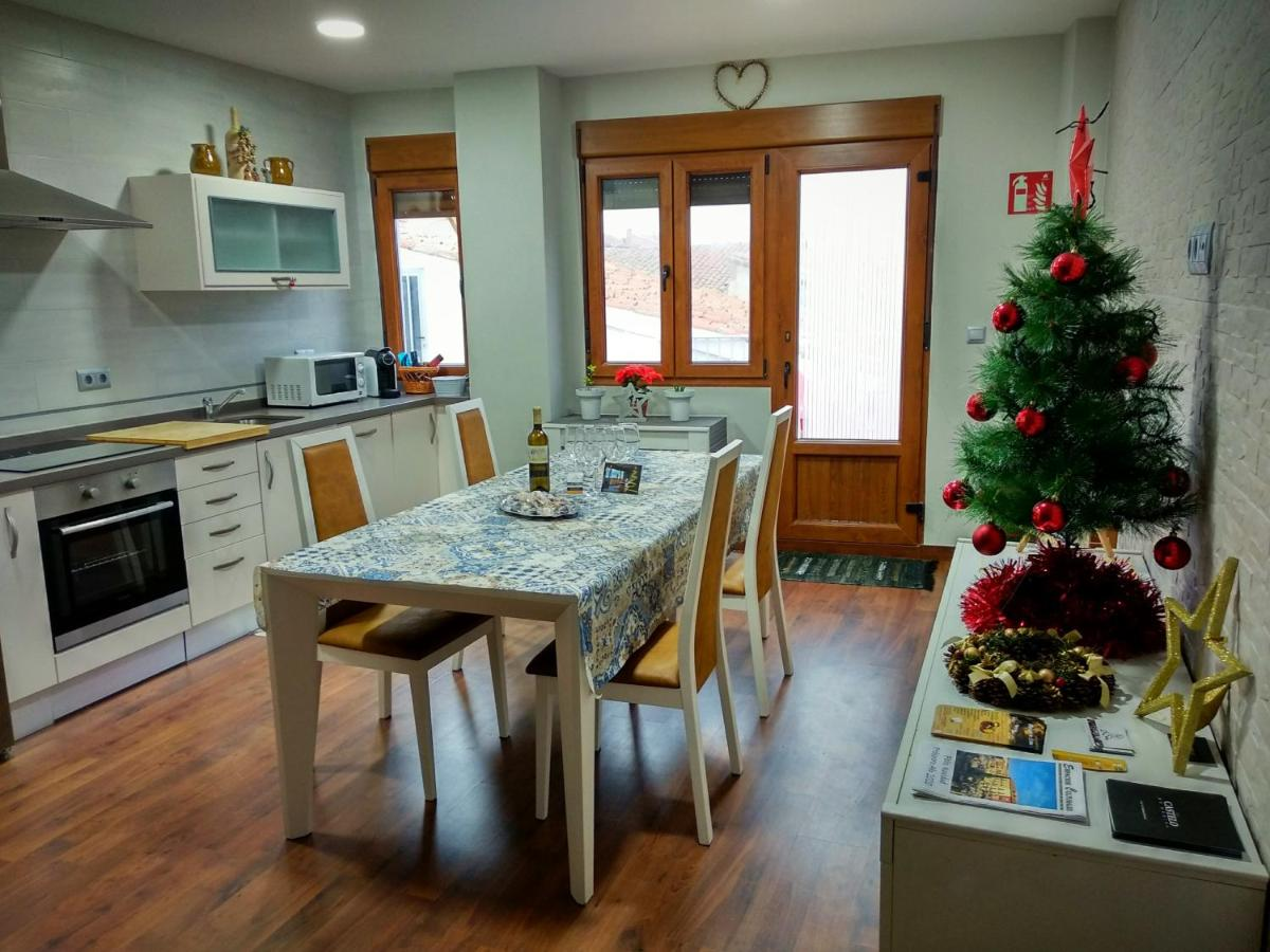 Casa Rural El Caño Nava Del Rey Spain Booking Com