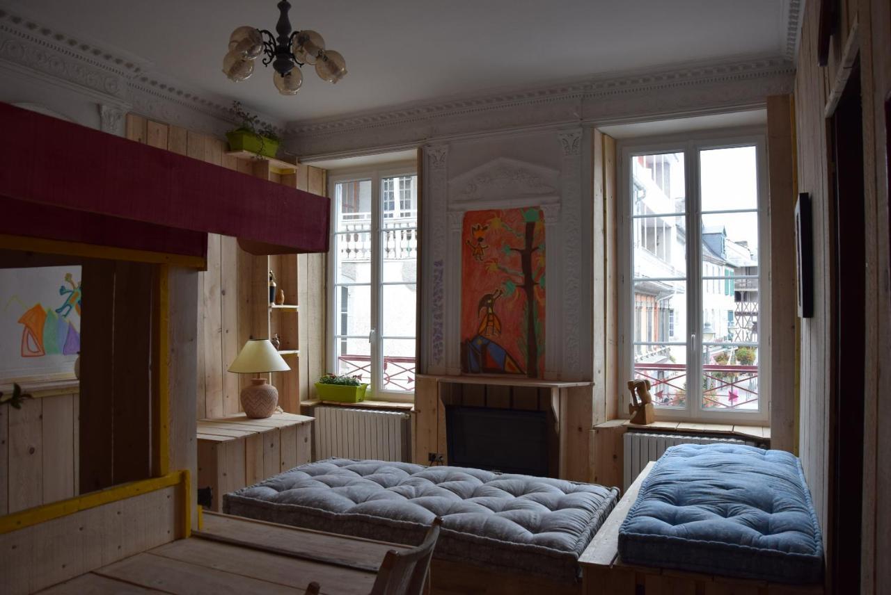 Marche Pour Monter Dans Baignoire apartment robinson studio, bagnères-de-bigorre, france