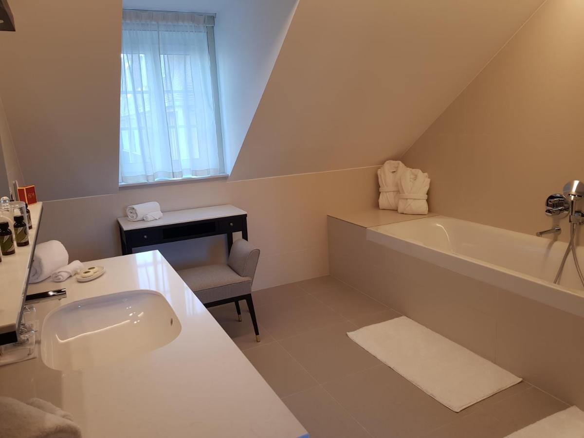 Chateau Saint Jean Hotel Spa Montlucon France Booking Com