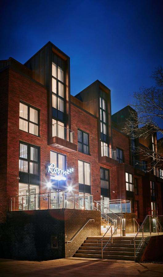 Апарт-отель  Roomzzz York City