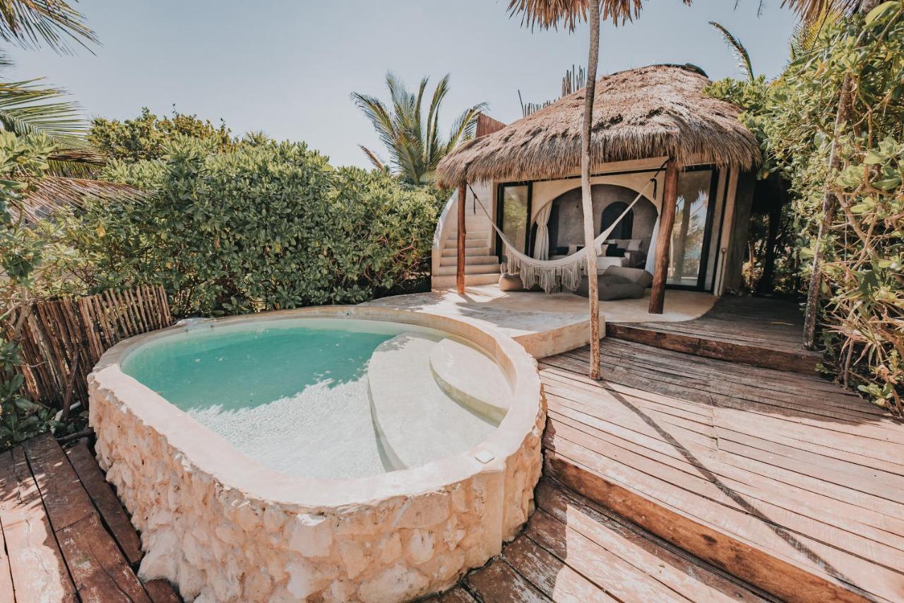 vista exterior de una habitación en papaya playa proyect