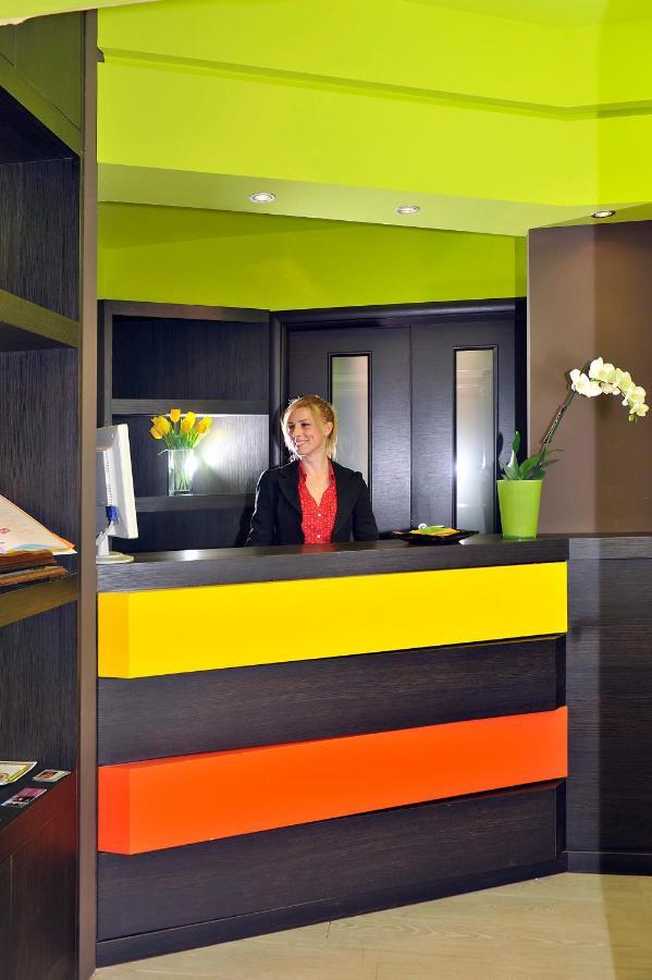 Отель  Hotel Colors