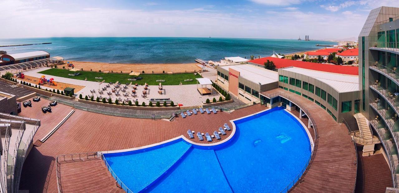 Отель  Ramada Baku Hotel