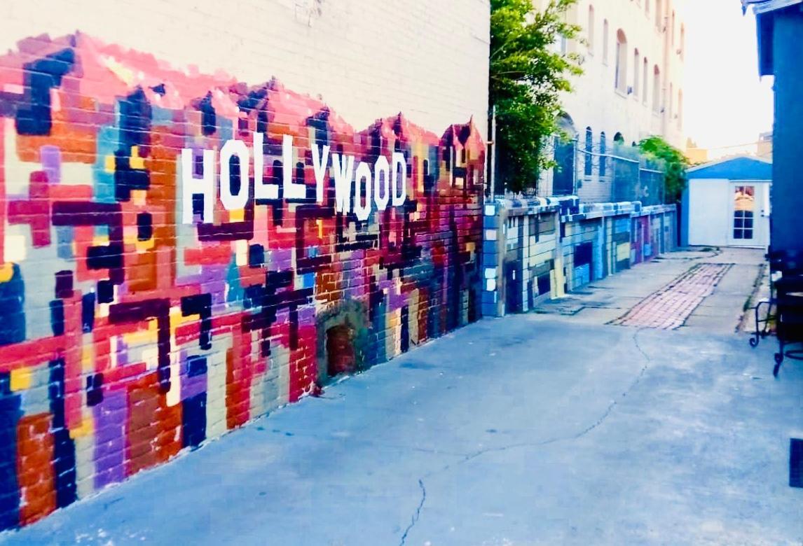 Отель типа «постель и завтрак»  Отель типа «постель и завтрак»  Hollywood Budget BnB GuestHome Rooms