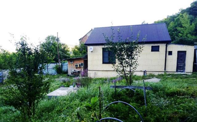 Дом для отпуска  Уютный дом в горах недалеко от моря