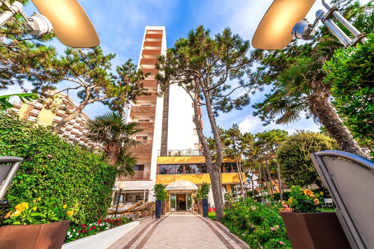 american hotel lignano