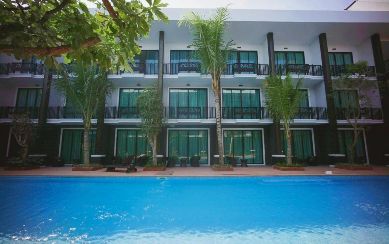 Отель  Namthong Nan Hotel