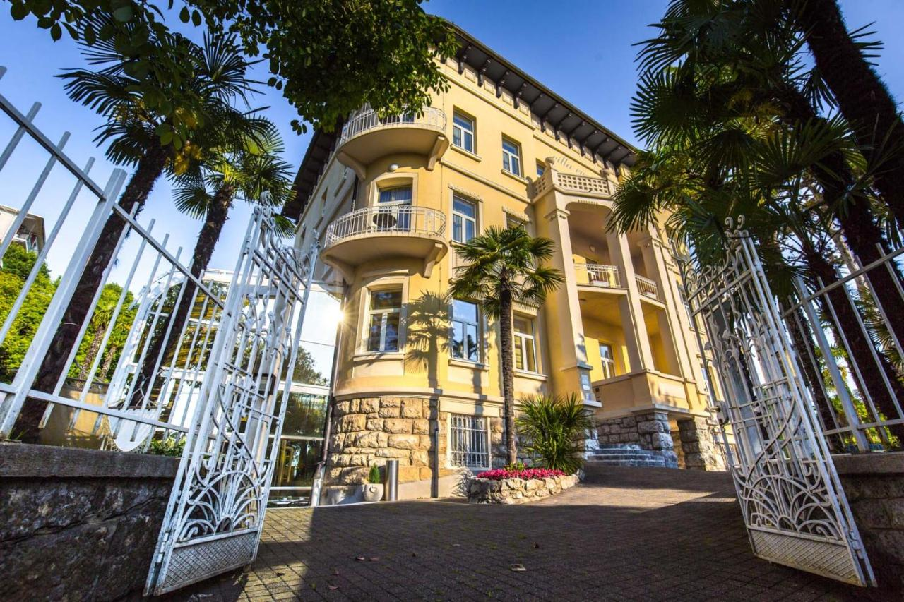 Отель  Hotel Villa Eugenia