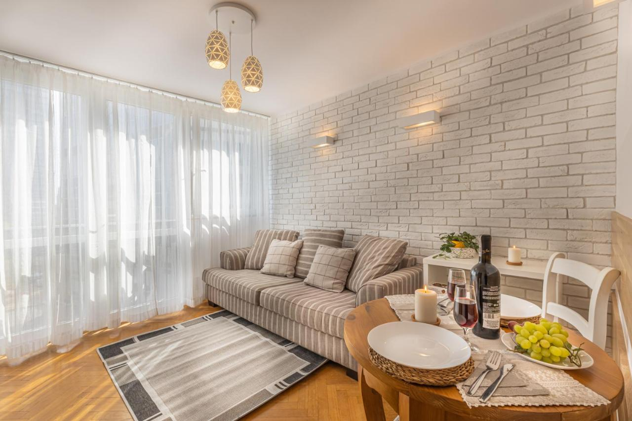 Апартаменты/квартира  Apartment Strict Warsaw Center - Metro, Free Parking