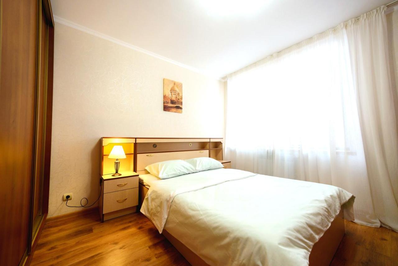 Апартаменты/квартира  Two Bedroom Apartment Yellow- Отличная 2-к квартира на берегу залива от RentAp, 4 спальных места