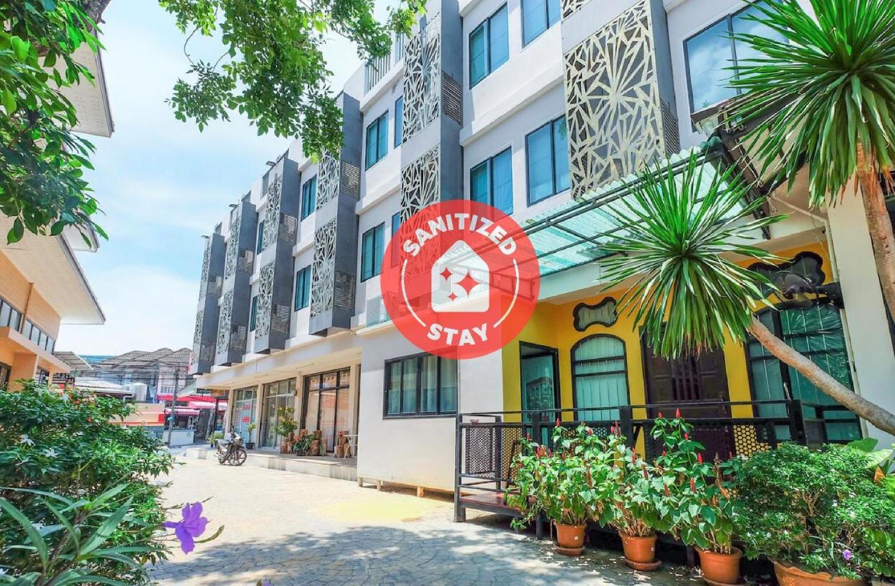 Отель  Отель  OYO 821 The Littlenest Phuket