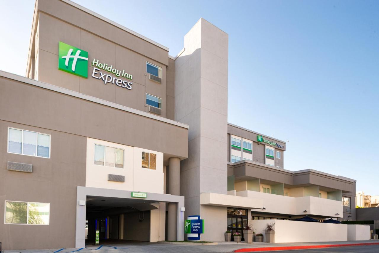 Отель  Отель  Holiday Inn Express Los Angeles Downtown West
