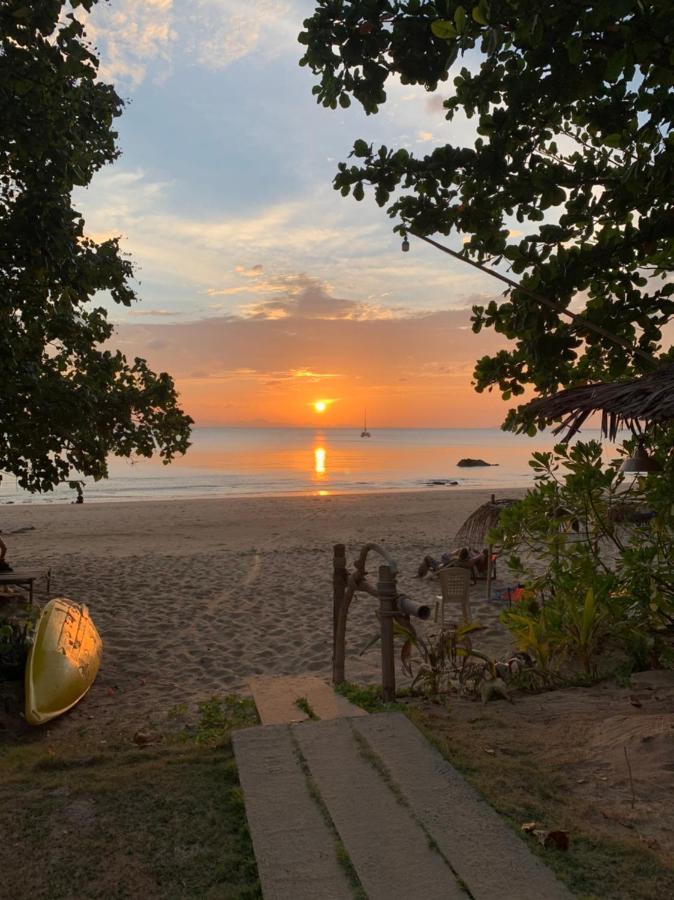 Гостевой дом  Sun Smile Beach Koh Jum