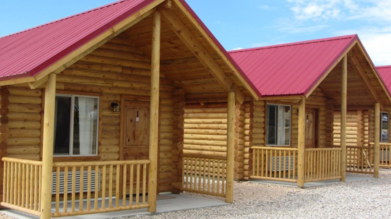 Pioneer Log Homes France lodge bryce canyon log cabins, tropic, ut - booking