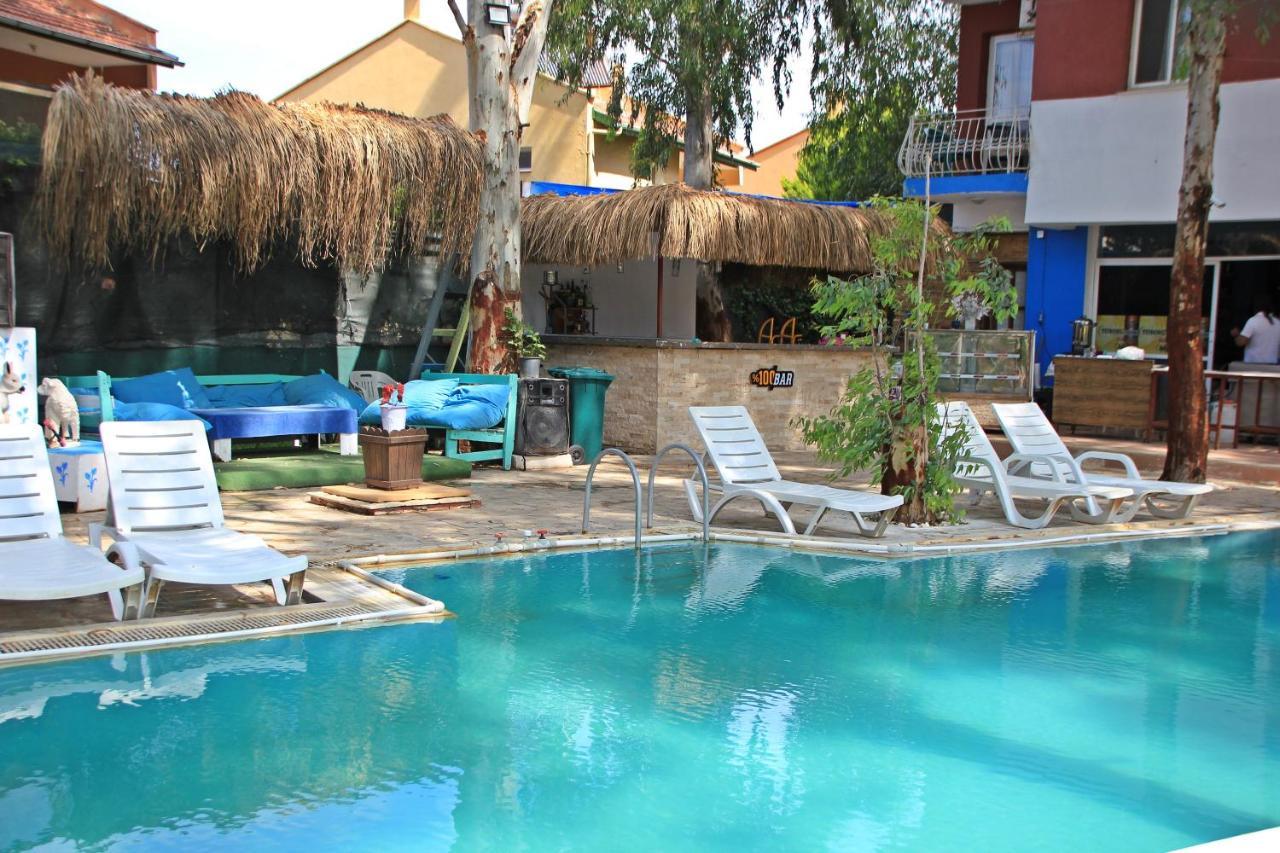 Отель типа «постель и завтрак»  Ürkmez Deniz Apart Otel
