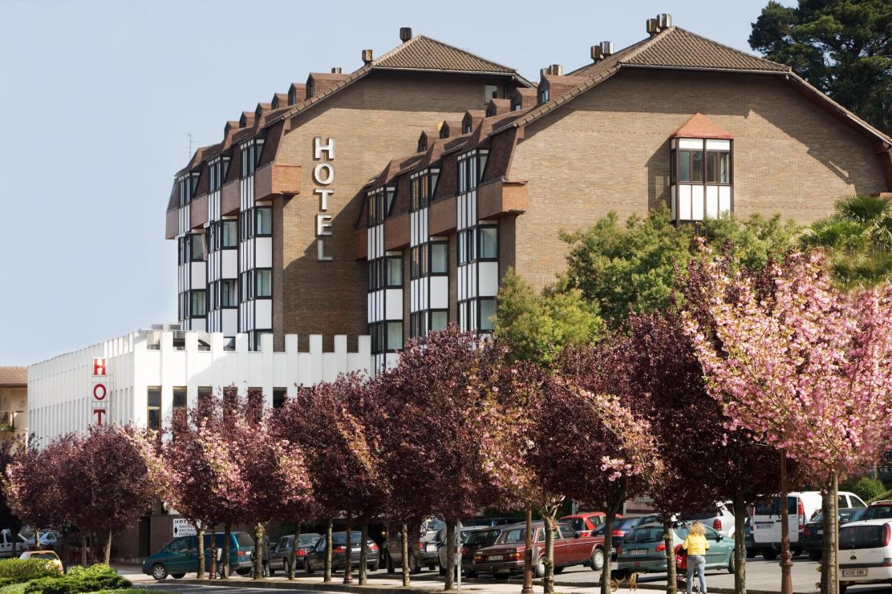 Отель  Hotel Txartel