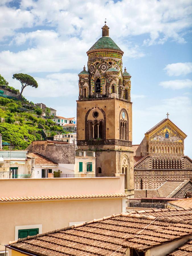 Отель  Hotel Amalfi