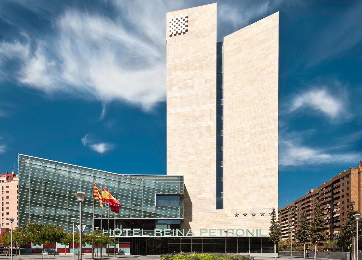 Hotel Reina Petronila (España Zaragoza) - Booking.com