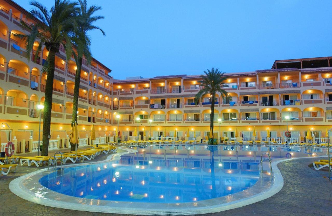 Hotel Bahía Tropical, Almuñécar, Spain - Booking.com