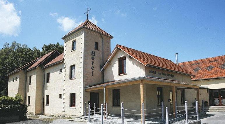 Отель  La Tour Des Lys