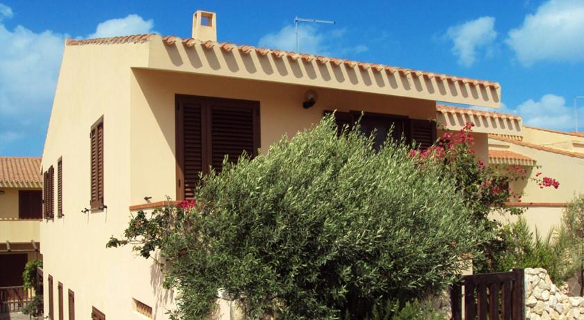 Appartamenti Pinna - Villa Serena, Funtana Meiga, Italy ...
