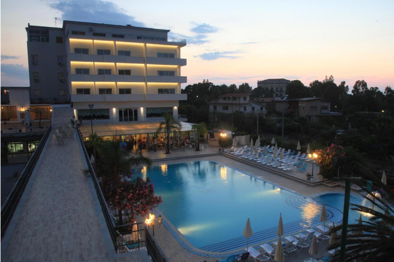 Отель  Hotel Santa Lucia Le Sabbie D'Oro