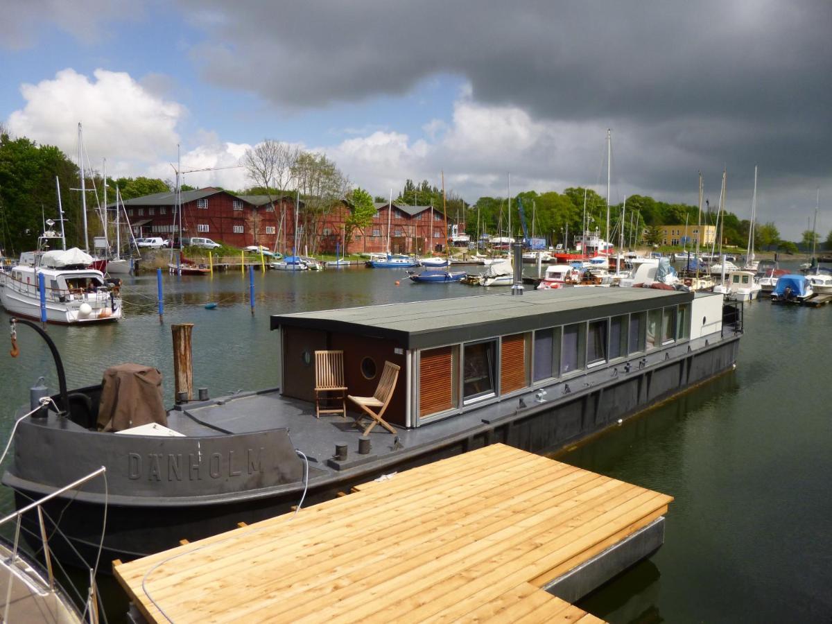 Hausboot Dänholm / Bild: Booking.com
