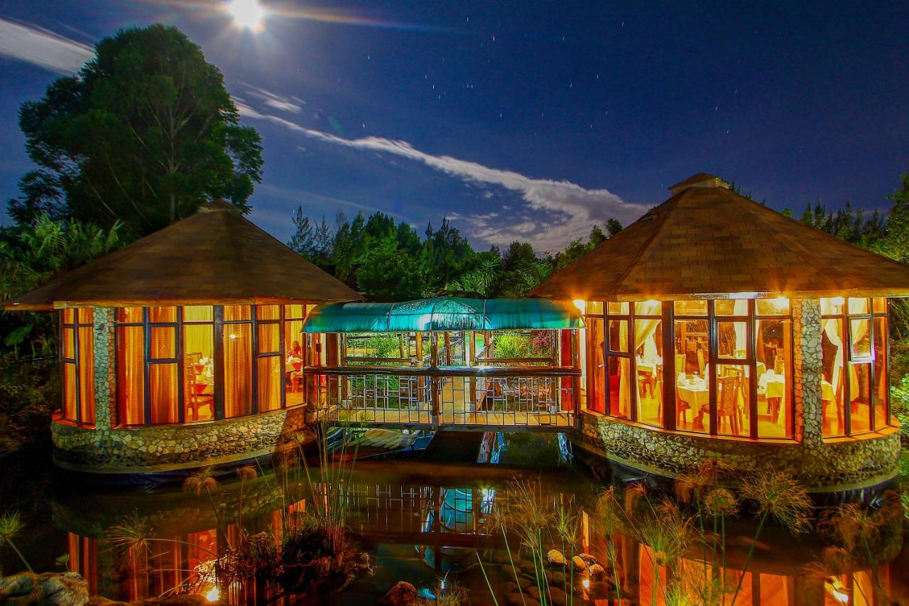Курортный отель  Poa Place Resort