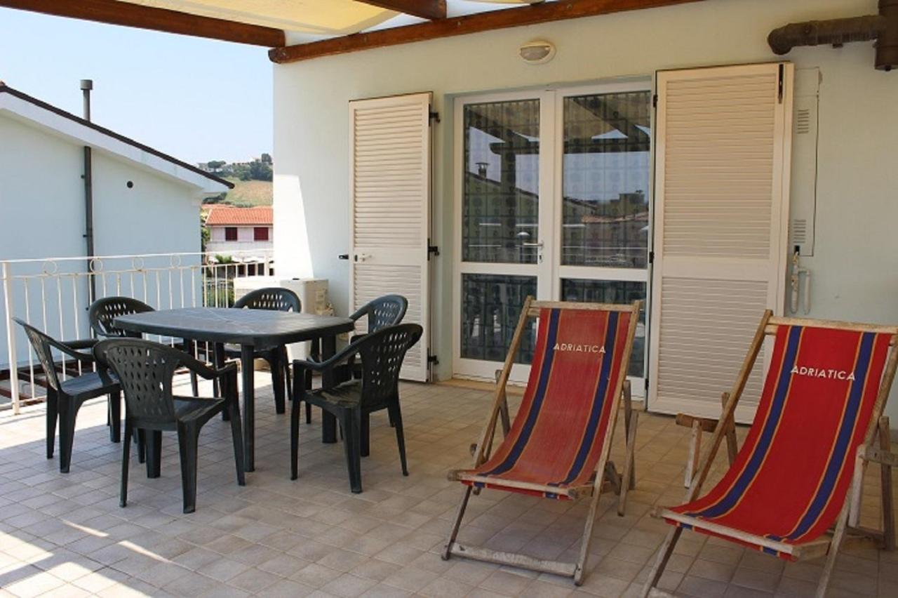 Materasso Per Casa Umida appartamenti mac, marcelli, italy - booking