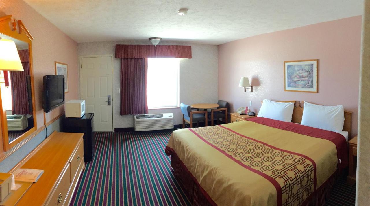 Отель Отель Victorian Inn North