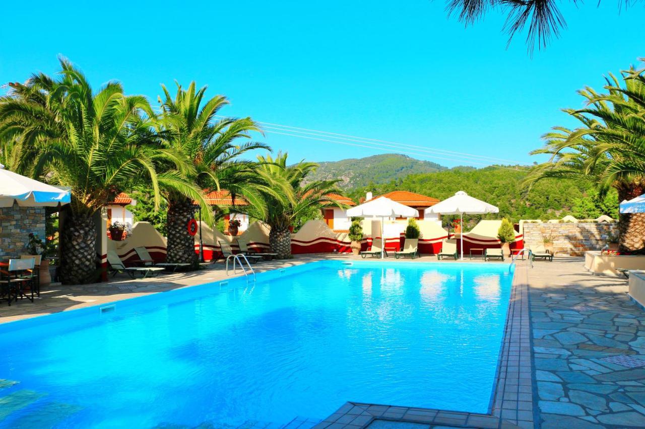 Отель  Kelyfos Hotel