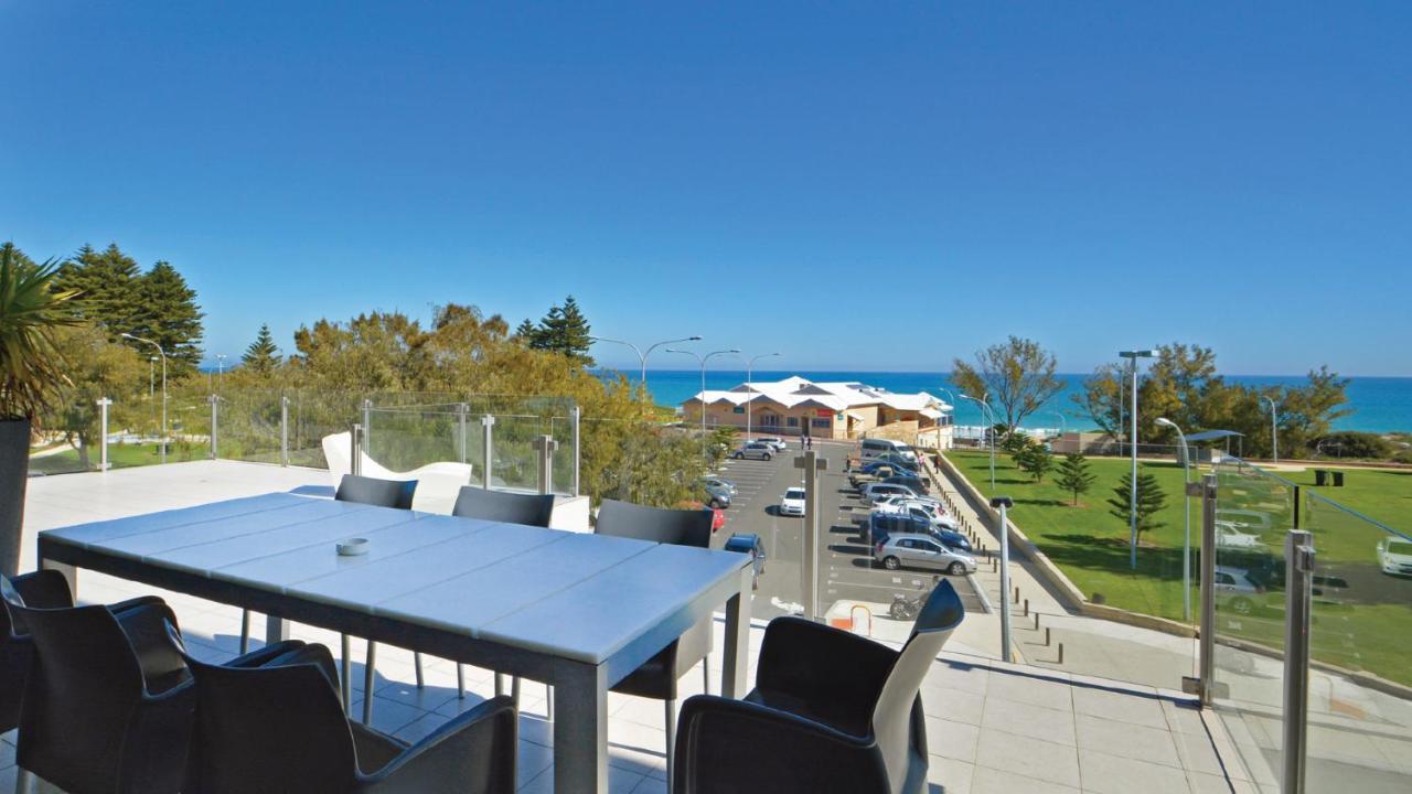 Mullaloo Beach Hotels & Apartments, Perth, Australia