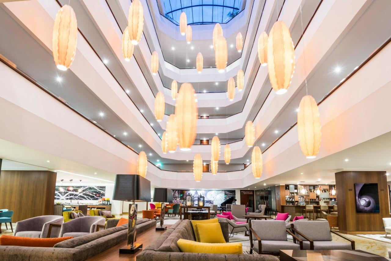 Отель  DoubleTree By Hilton Bogotá - Calle 100