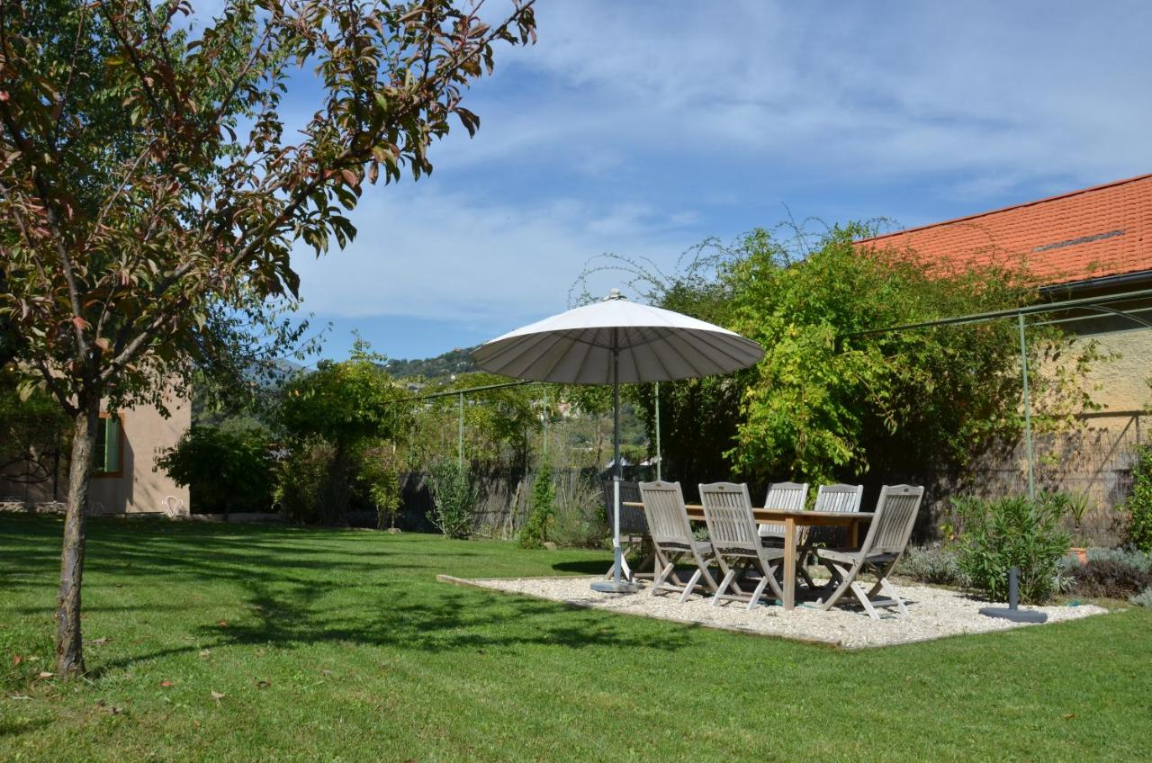 Bed And Breakfast Les Cypres Contes France Booking Com