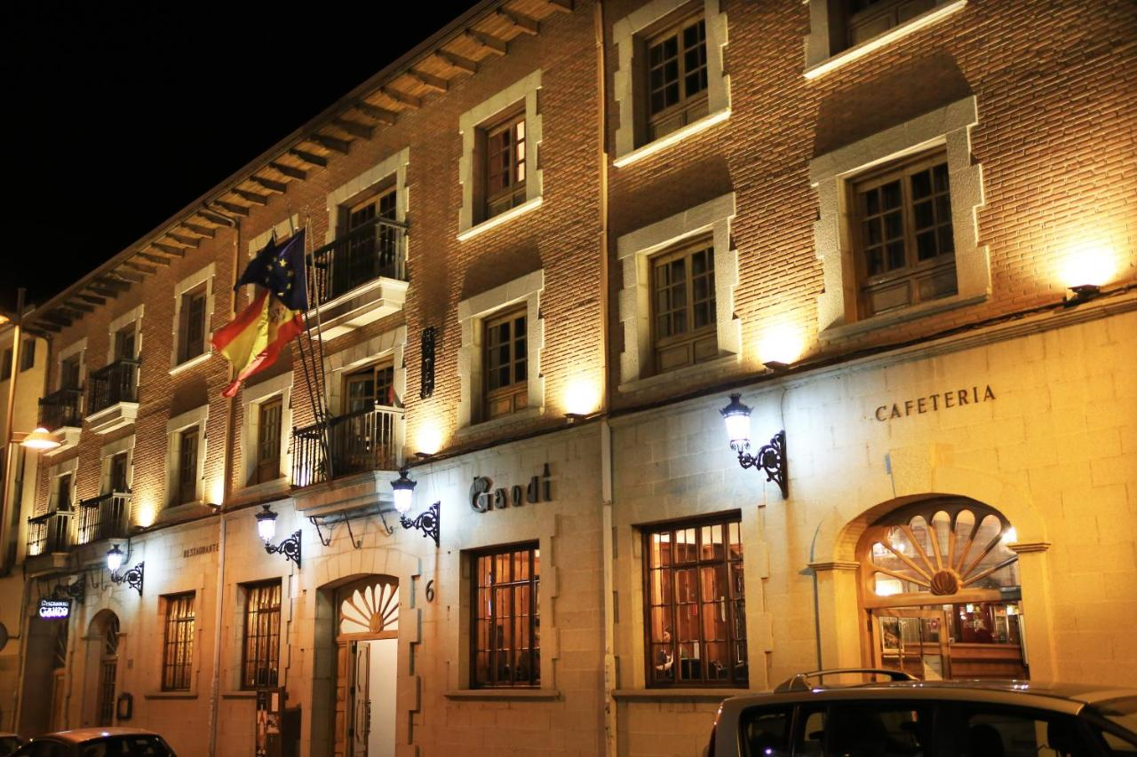 Отель Hotel Gaudi