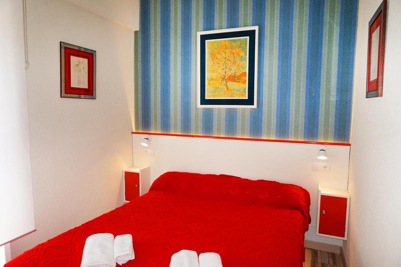Hostel Far Home Gran Vía, Madrid, Spain - Booking.com
