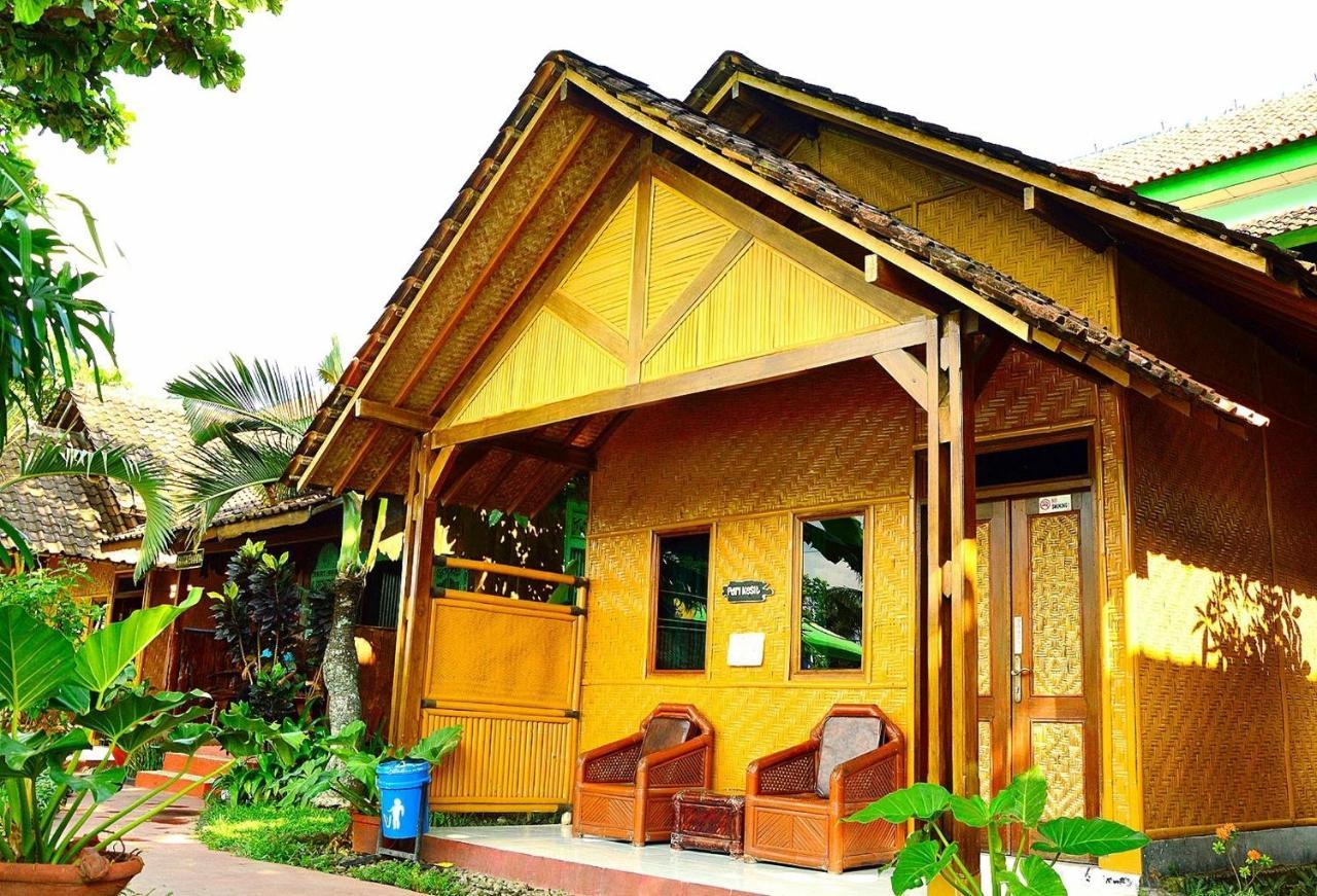 Отель  Hotel Galuh Prambanan
