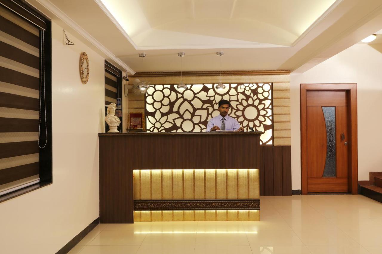 Отель Отель Hotel Janki Executive