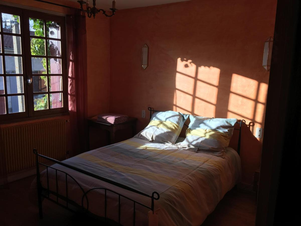 Guest Houses In Vollore-montagne Auvergne
