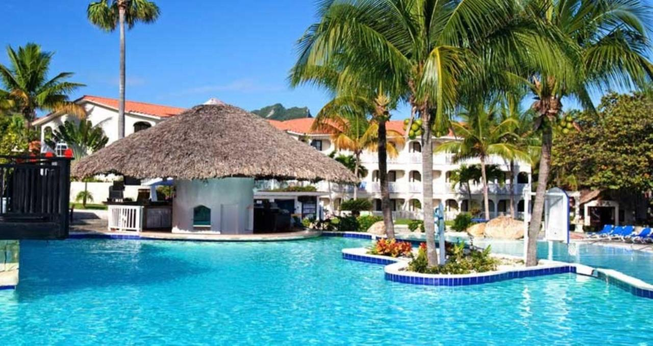Lifestyle Tropical Beach Resort S
