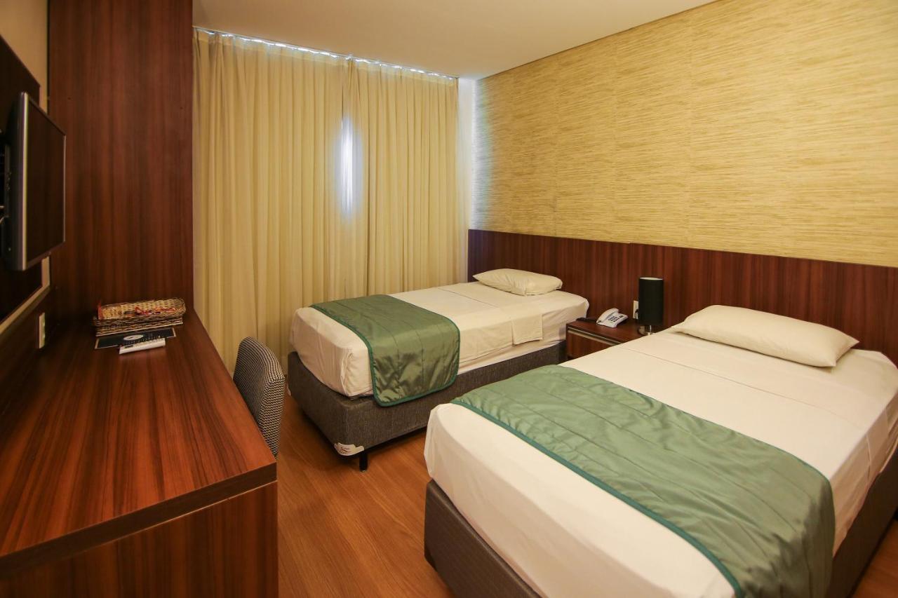 Отель Hotel Serrano