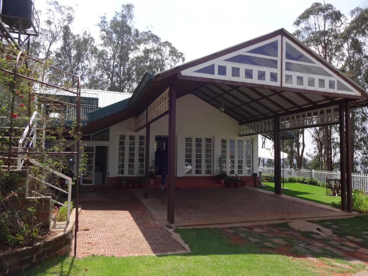 Проживание в семье  Irinjalakuda House